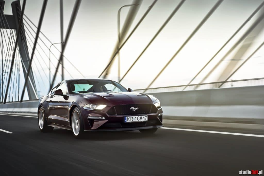Ford Mustang GT (MT)